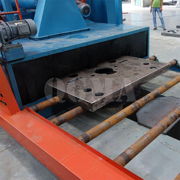Roller conveyor type shot blasting machine for Welded steel structure bed2