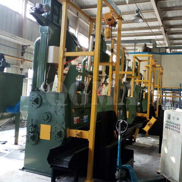 Advantages of the automatic loading and unloading crawler shot blasting machine1