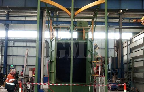 Hook type shot blasting machine to clean the agricultural machinery