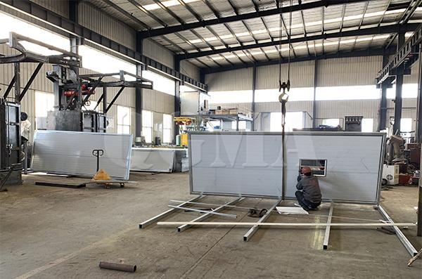 How does sandblasting room complete the rust removal 1