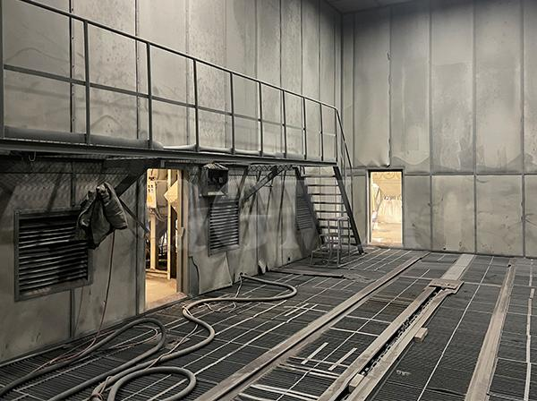 How many indispensable benefits the sandblasting room have 1